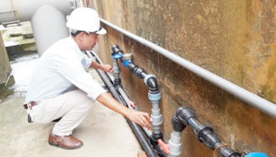 thợ sửa đường ống nước gia đình