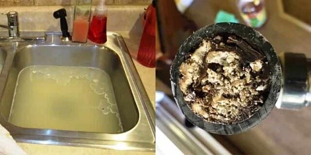 ống thoát nước bị nghẹt